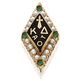 Standard Crown Pearl with Emerald Points Badge
