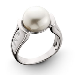 Raised Pearl Ring